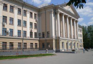 Запорожская мэрия проиграла суд по конкурсу управляющих компаний