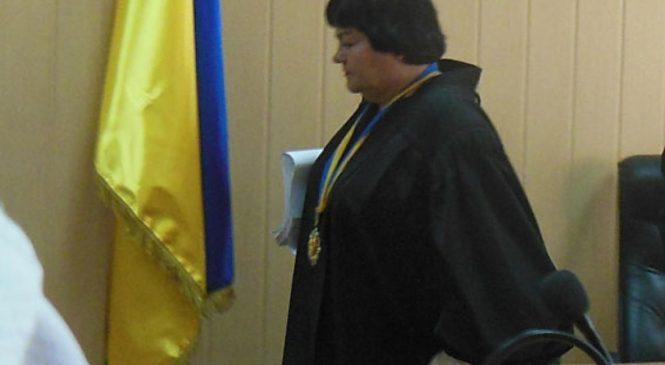 Каламбур: Запорожский суд будет судить судью за взятку
