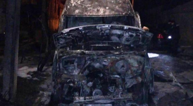 В Запорожье загорелся автомобиль, — ФОТО