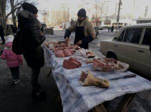 Африканская чума: В Запорожье инспектировали места стихийной торговли мясной продукцией — ФОТО