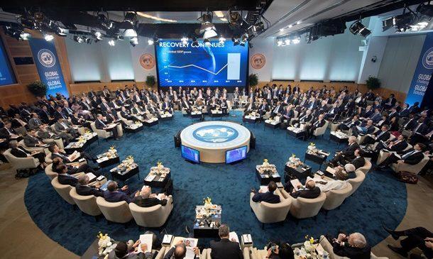 МВФ: Рост зарплат в Украине не обеспечен экономикой