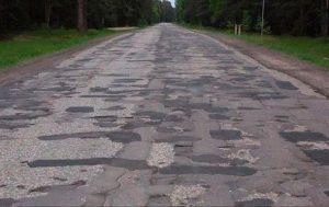 Стало известно, сколько воруют на строительстве дорог в Украине