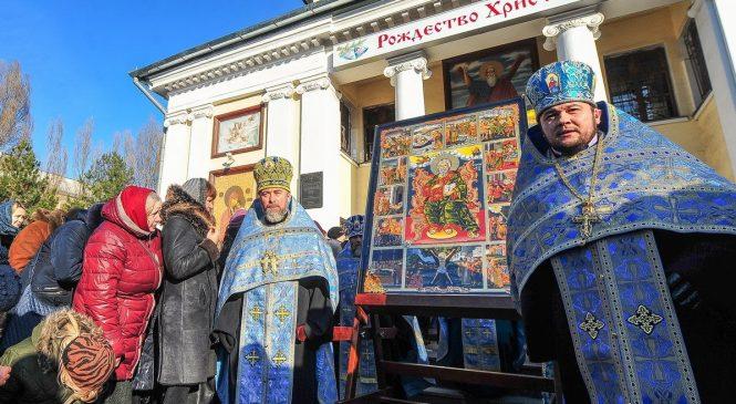 В Запорожье состоялся крестный ход УПЦ МП