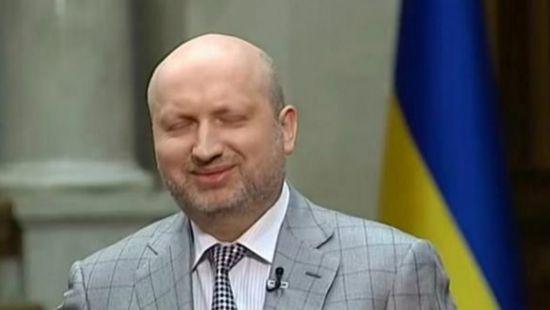 Стала известна зарплата Турчинова за январь