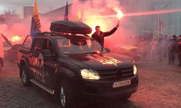 Сторонники Саакашвили приехали к дому Порошенко