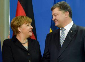 Порошенко обсудит с Меркель миротворцев в зоне АТО