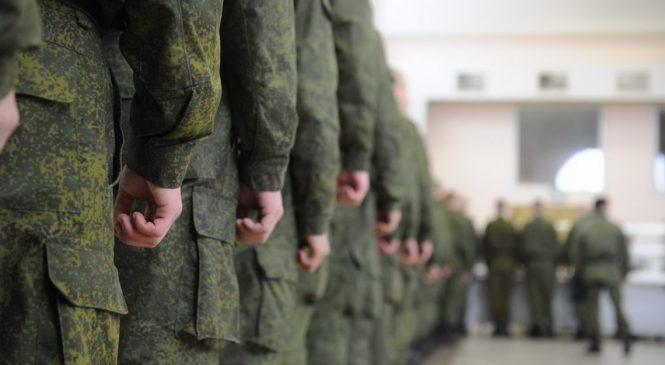 Самоубийства в армии: в чем Минобороны обвиняет Матиоса?