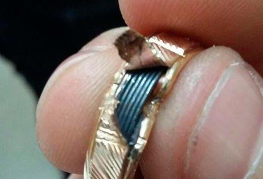 В Запорожье патрульные задержали мошенников, которые продавали поддельные золотые украшения