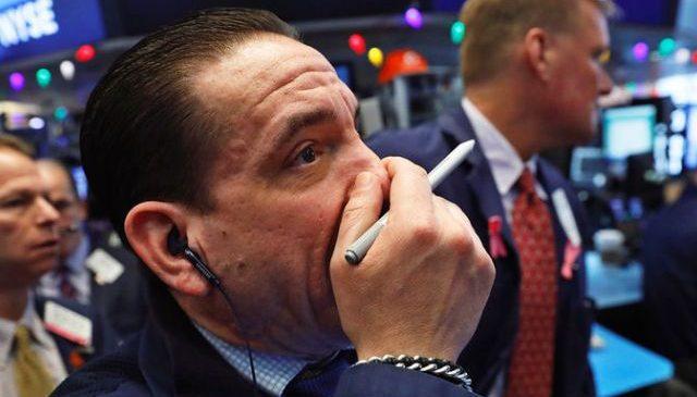 «Уходим в кэш и готовимся к худшему»: почему обрушились мировые рынки и что ждет Украину