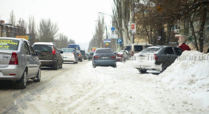В Запорожской области на двух участках дорог запретили ездить маршруткам и грузовикам