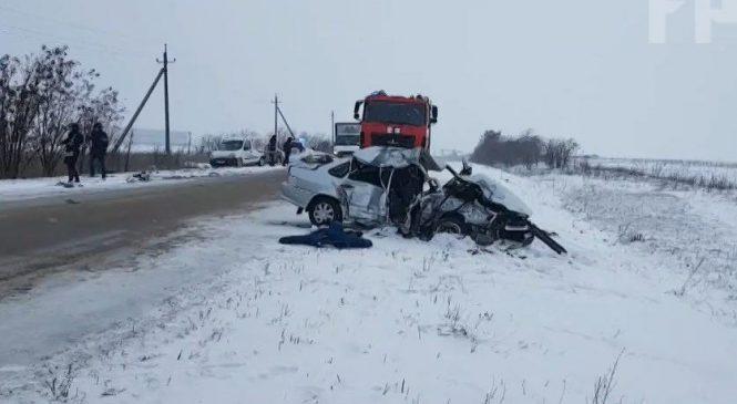Автокатастрофа под Бердянском: погиб водитель и пассажир ВАЗ 21099
