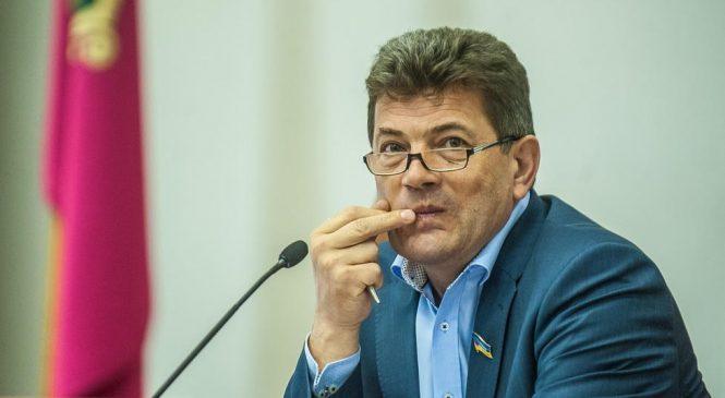 Восстановление Чикаловой на посту директора «Дубовки»: Буряк не хочет выплачивать компенсацию в 195 тысяч