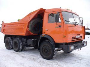 В Запорожской области под колесами КамАЗа погиб пешеход