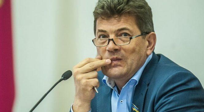 Суд обязал Буряка немедленно восстановить Чикалову в должности директора парка «Дубовая Роща»