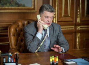 СМИ: Порошенко поговорил с Путиным по телефону