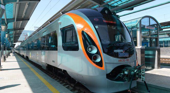 «Укрзализныця» назвала наиболее прибыльные поезда 2017 года