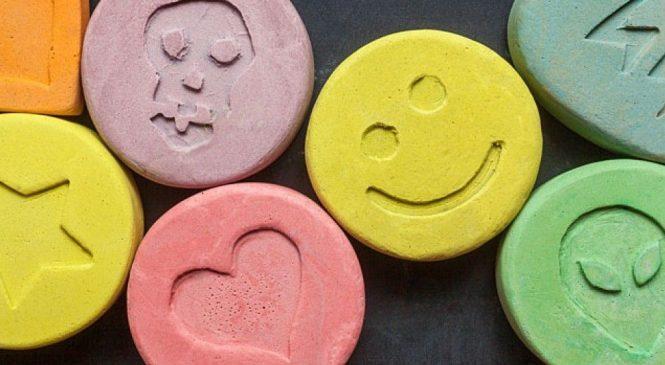 В Запорожье украинец пытался ввезти психотропные препараты