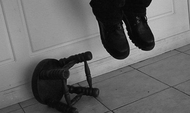 В Запорожской области в собственном доме повесился мужчина