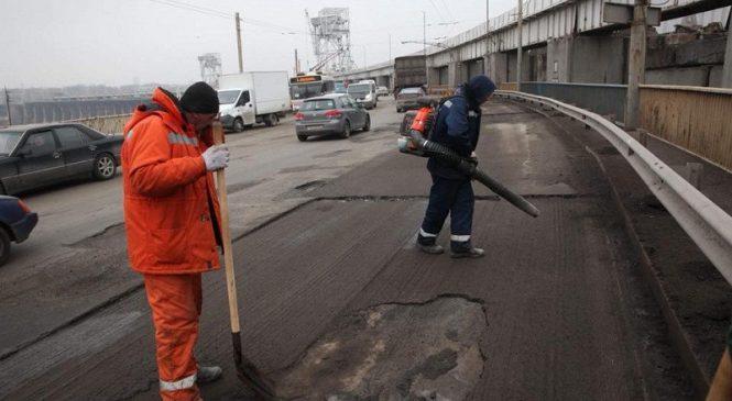 Как проводится ремонт дорог в Запорожье