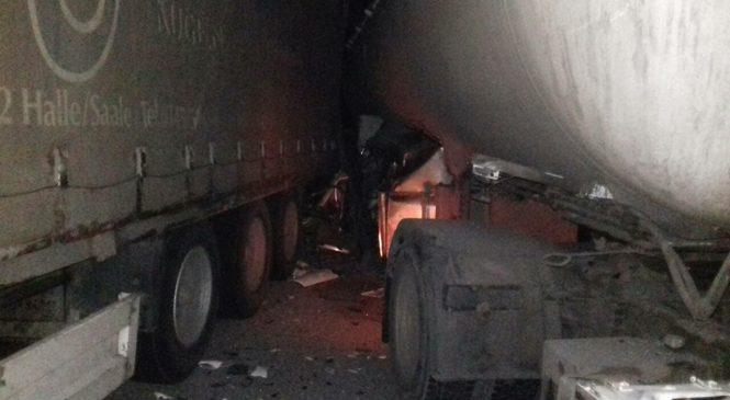 В Запорожской области столкнулись два грузовика, — ФОТО