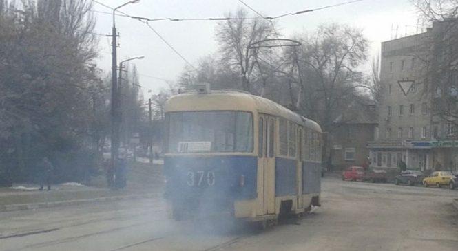 На Шевченковском трамвай №10 задымился на ходу