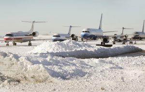В Запорожском аэропорту самолет после посадки съехал с посадочной полосы