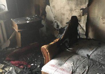 Пожар в Днепрорудном: полностью выгорела комната квартиры в многоэтажке. ФОТО