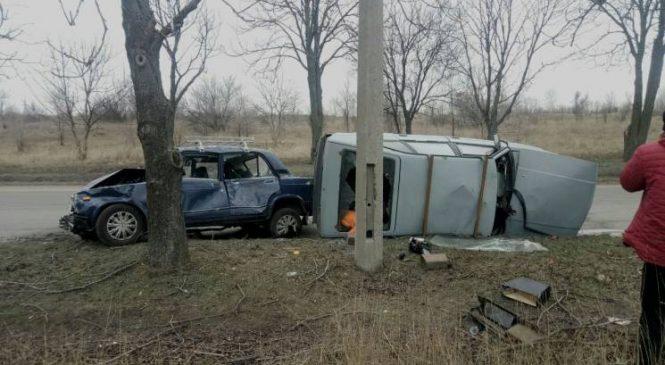 Жуткое ДТП на Шевченковском: «Москвич» протаранил ВАЗ-2107 и перевернулся