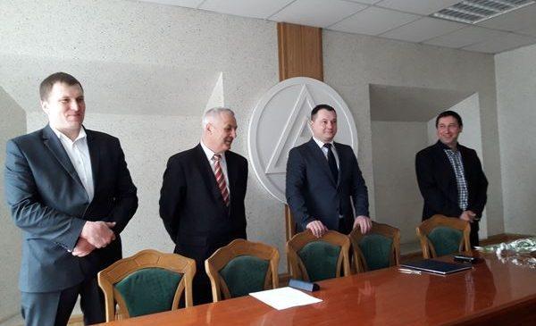 Брыль пожелал новому начальнику Облавтодора осваивать деньги в полном объеме