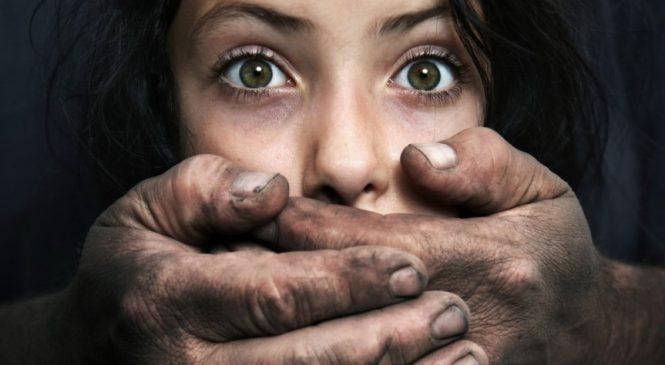 На Запорожье отец принуждал к сексу свою 7-летнюю дочь