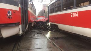 «Трамваем безопаснее»: За два месяца в ДТП с общественным транспортом в Украине погибли 34 человека