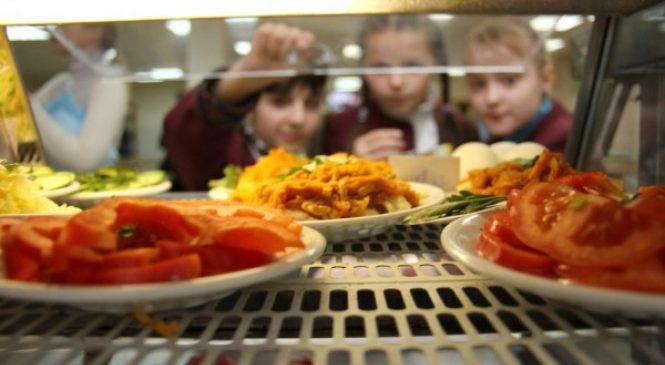 Запорожское гороно заключило договоры на поставку продуктов питания. Больше всего заказов — у скандальной фирмы