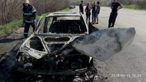 На Запорожской трассе сгорело два автомобиля