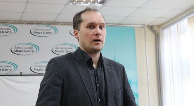 «В Украине президент – это директор колхоза»: Юрий Бутусов – об украинской политической действительности