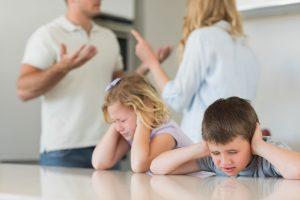 Нерадивые родители: в Запорожье более двухсот человек лишили родительских прав