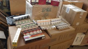 В Запорожье изъяли огромное количество незаконных сигаретных пачек