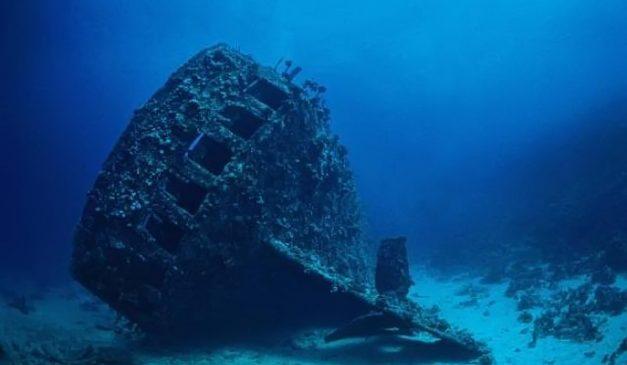 Запорожский дайвер обнаружил на дне Днепра военный корабль времен Второй мировой войны