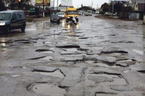 Стало известно, сколько лет и денег понадобится для ремонта запорожских дорог