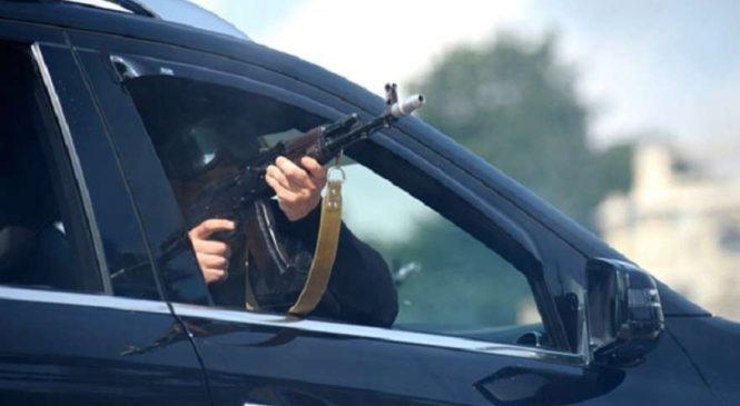 В Запорожье  расстреляли автомобиль, в котором находились люди (видео)
