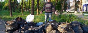 К зданию запорожской мэрии активисты принесут мешки с мусором