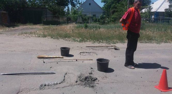 Под Запорожьем ремонт дорог выполняют по «нанотехнолигиям» (Фото)