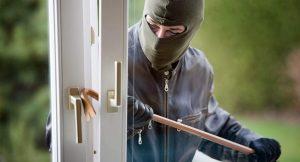 В Запорожской области потерпевший задержал грабителя собственного дома (фото)
