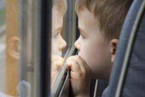 В Запорожье отец потерял ребенка: мальчик остался один в маршрутке (Фото)