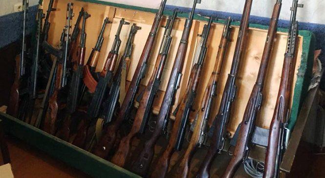 В Запорожье разоблачили опасную преступную группировку, которая занималась сбытом огнестрельного оружия (фото)