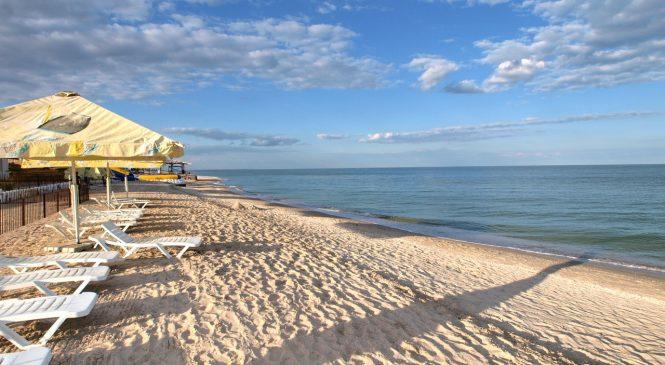 Пляжи на запорожских курортах до сих пор пустые: фотофакт