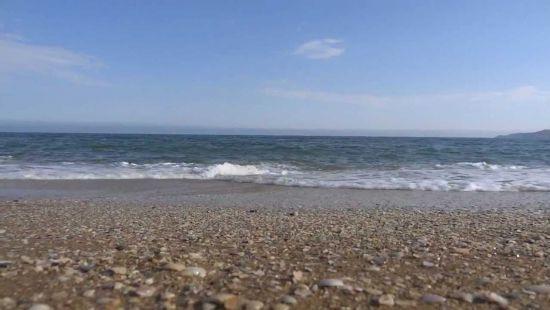 На Запорожском курорте затонул внедорожник (видео)