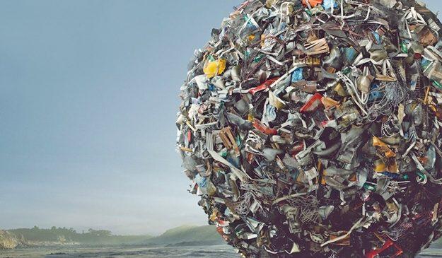 Популярный запорожский курорт завален горой мусора (фото)