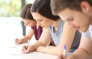 Запорожские школьники сдают ВНО по английскому