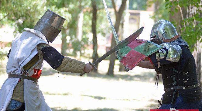 Как стать рыцарем: Интервью с руководителем запорожского клуба исторического средневекового боя Сергеем Панченко