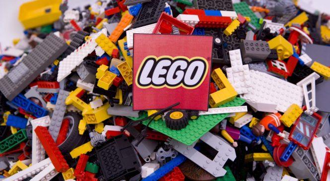 Первоклассников Запорожской области обеспечат наборами конструктора Лего